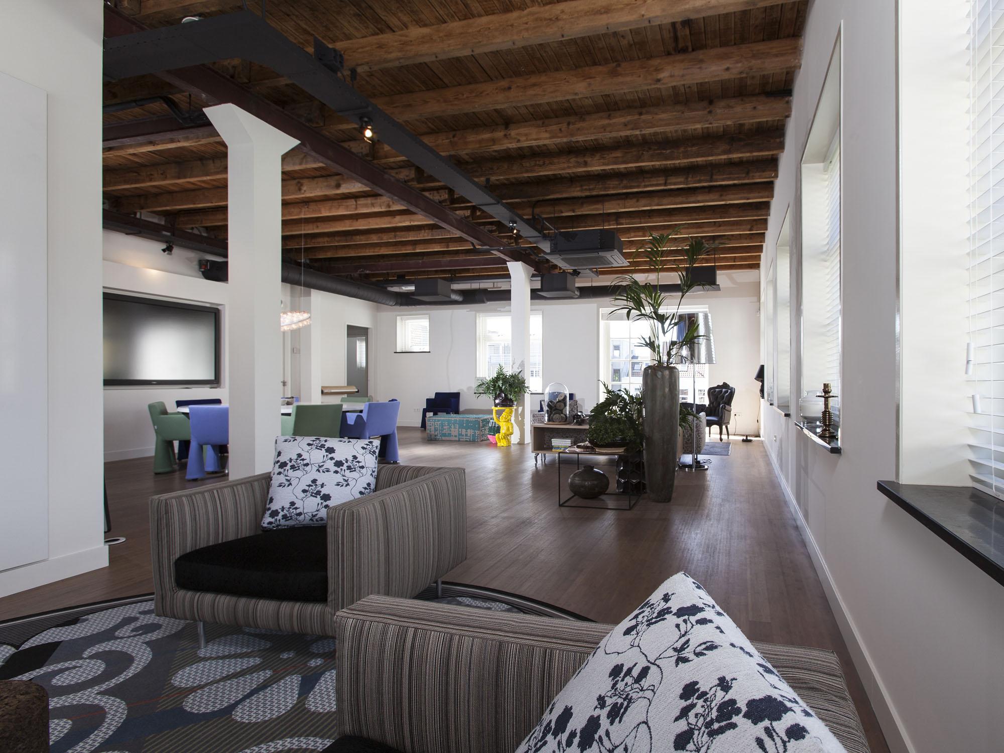 studio-hermanides-loft-office-2.jpg