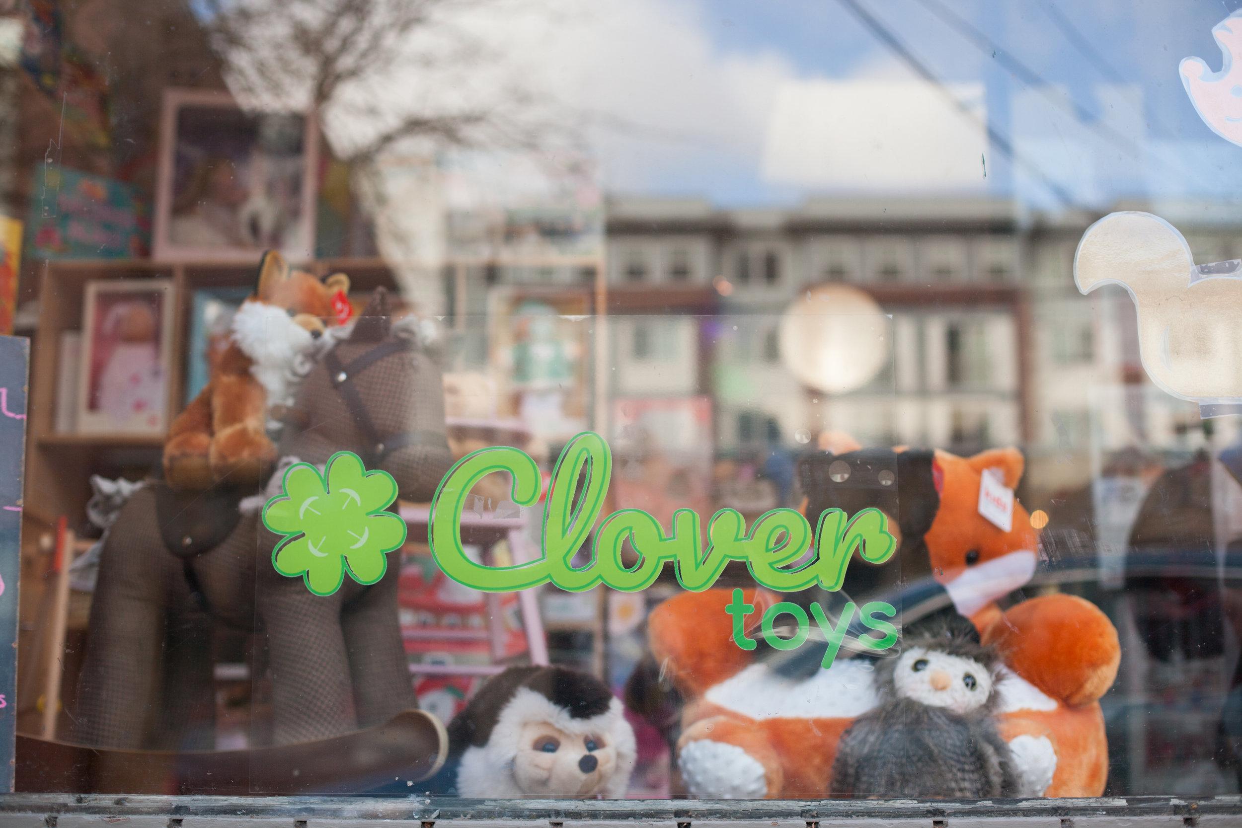 Clover Sign.jpg