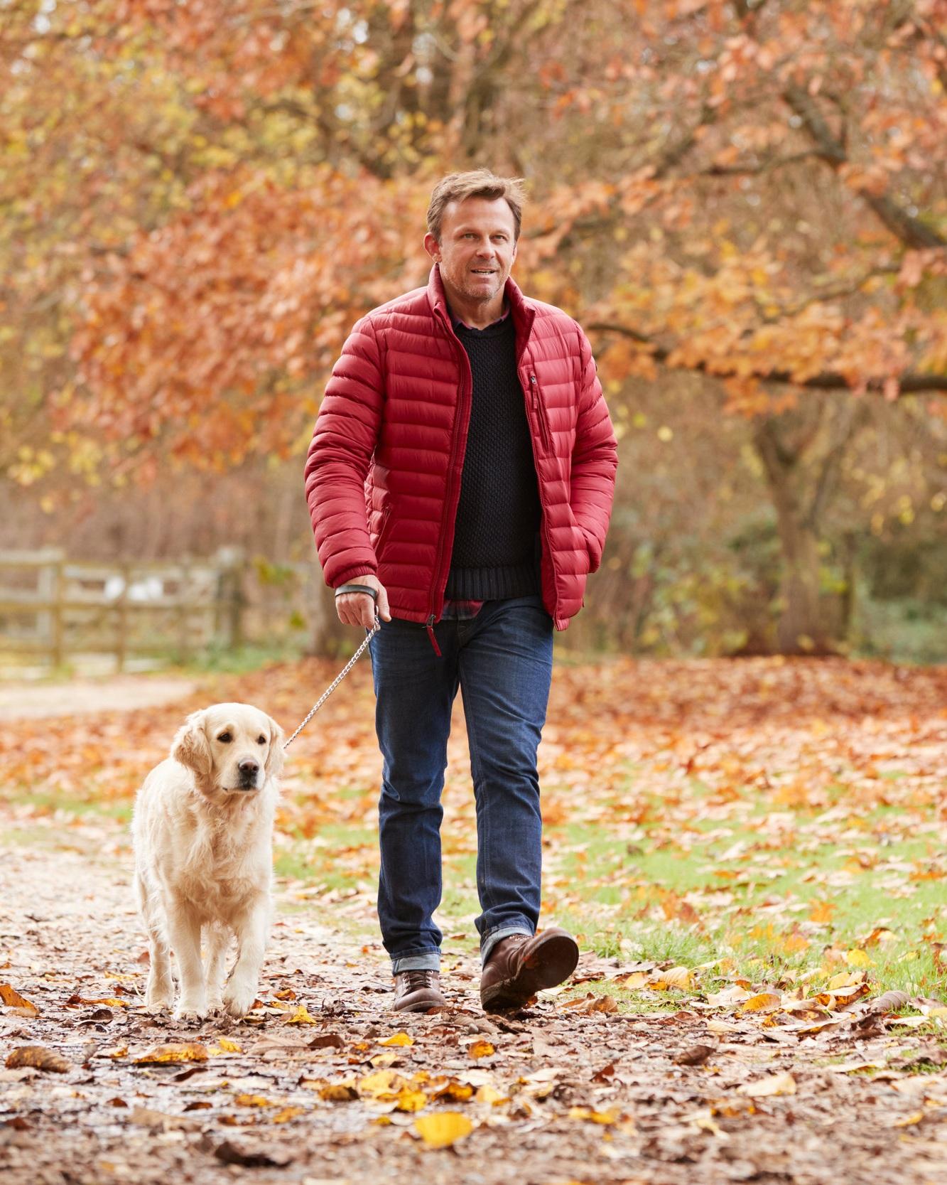 Man+walking+dog.jpg