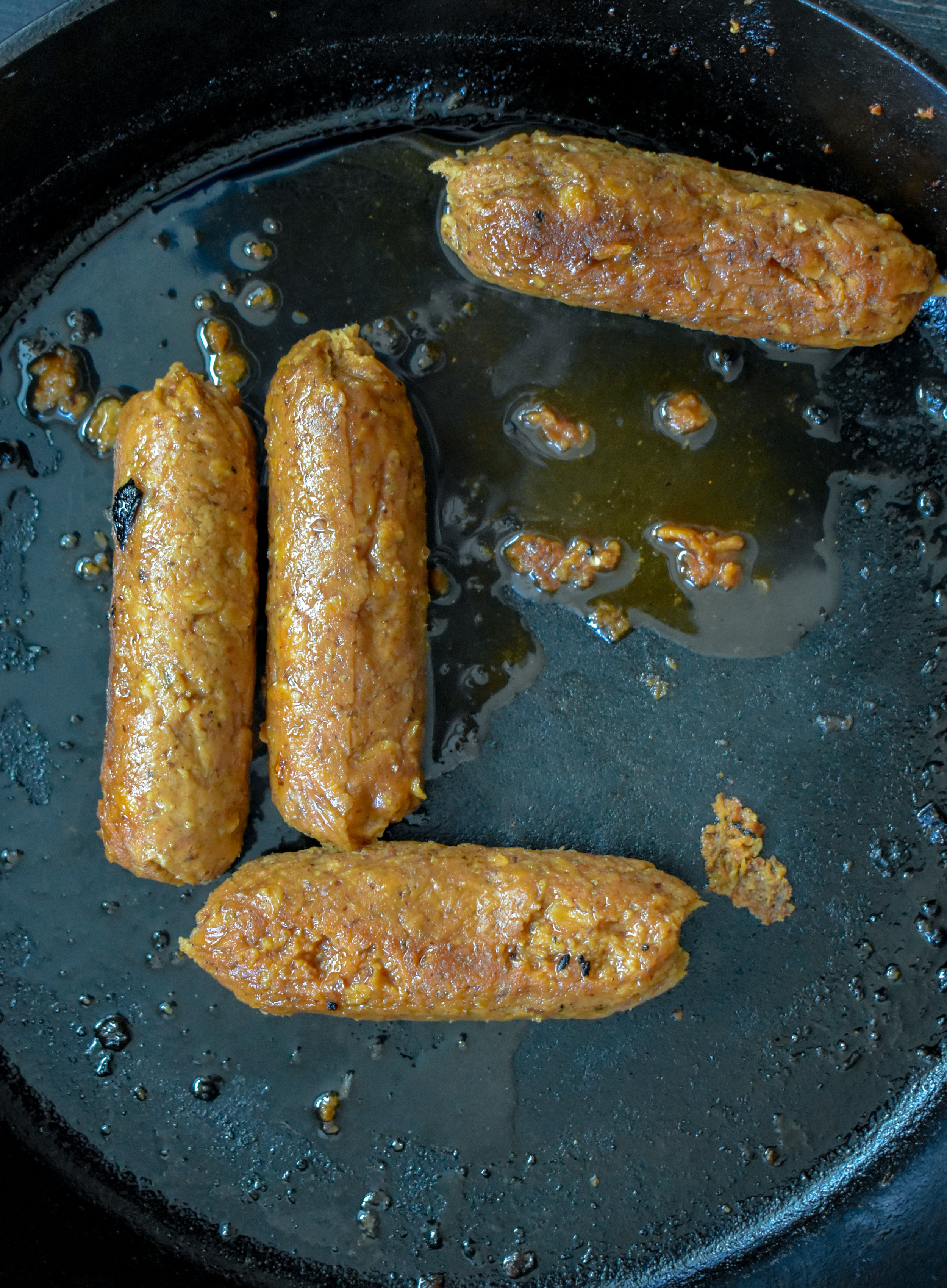 1. Cook vegan dogs in frying pan with 6-8oz beer for 8-10 minutes until beer has mostly evaporated.