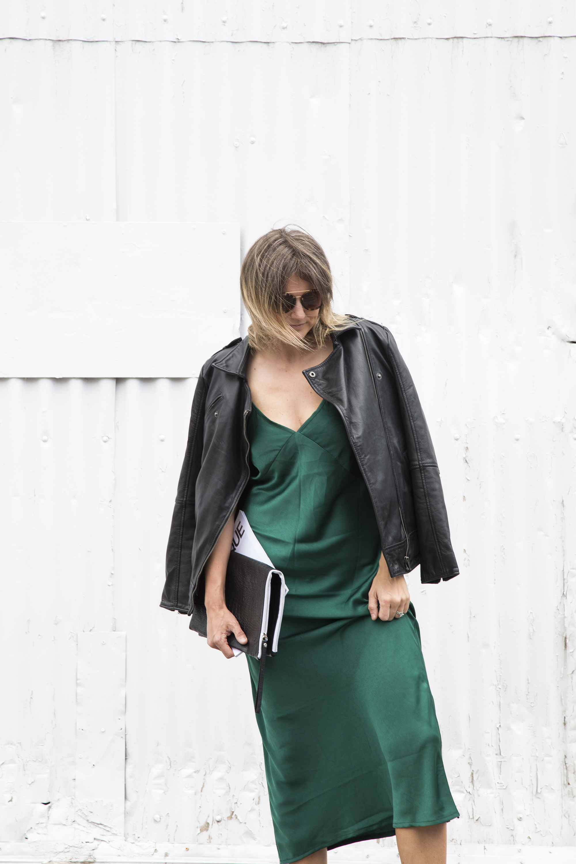 Sneakers_and_Soul_Green_Dress_03.jpg