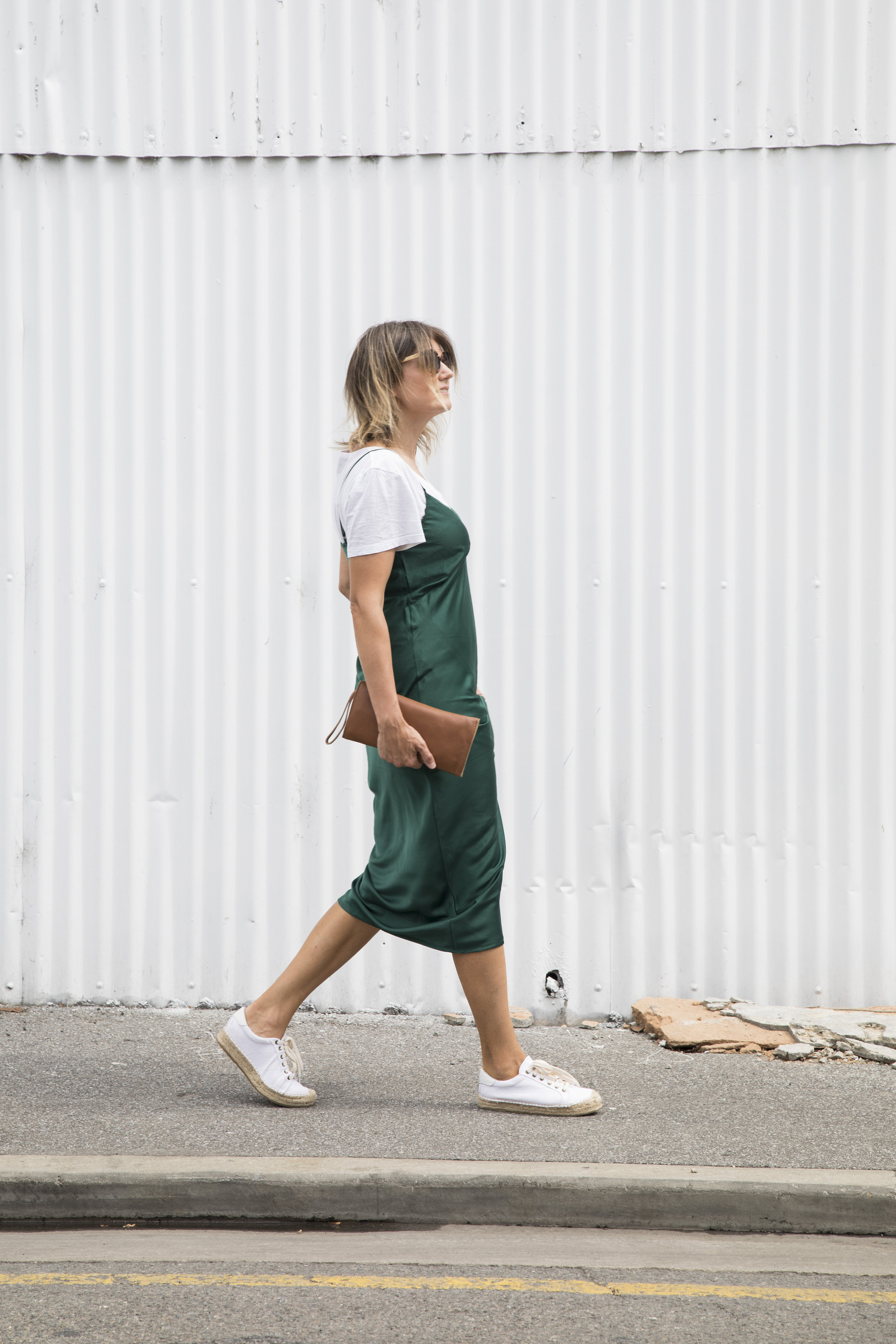 Sneakers_and_Soul_Green_Dress_05.jpg