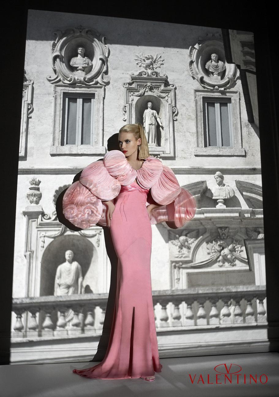 Anna Tokarska Valentino Haute Couture Anna Tokarska Valentino Haute Couture.jpg