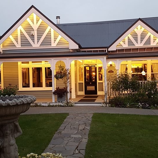 OLD VICARAGE - Christchurch