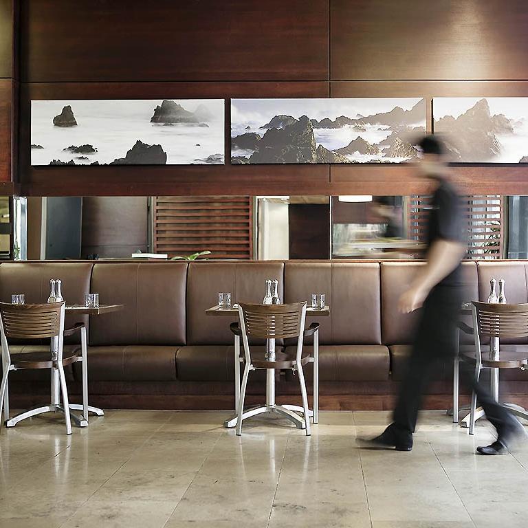 vivant! restaurant & bar, ibis hotel - Wellington