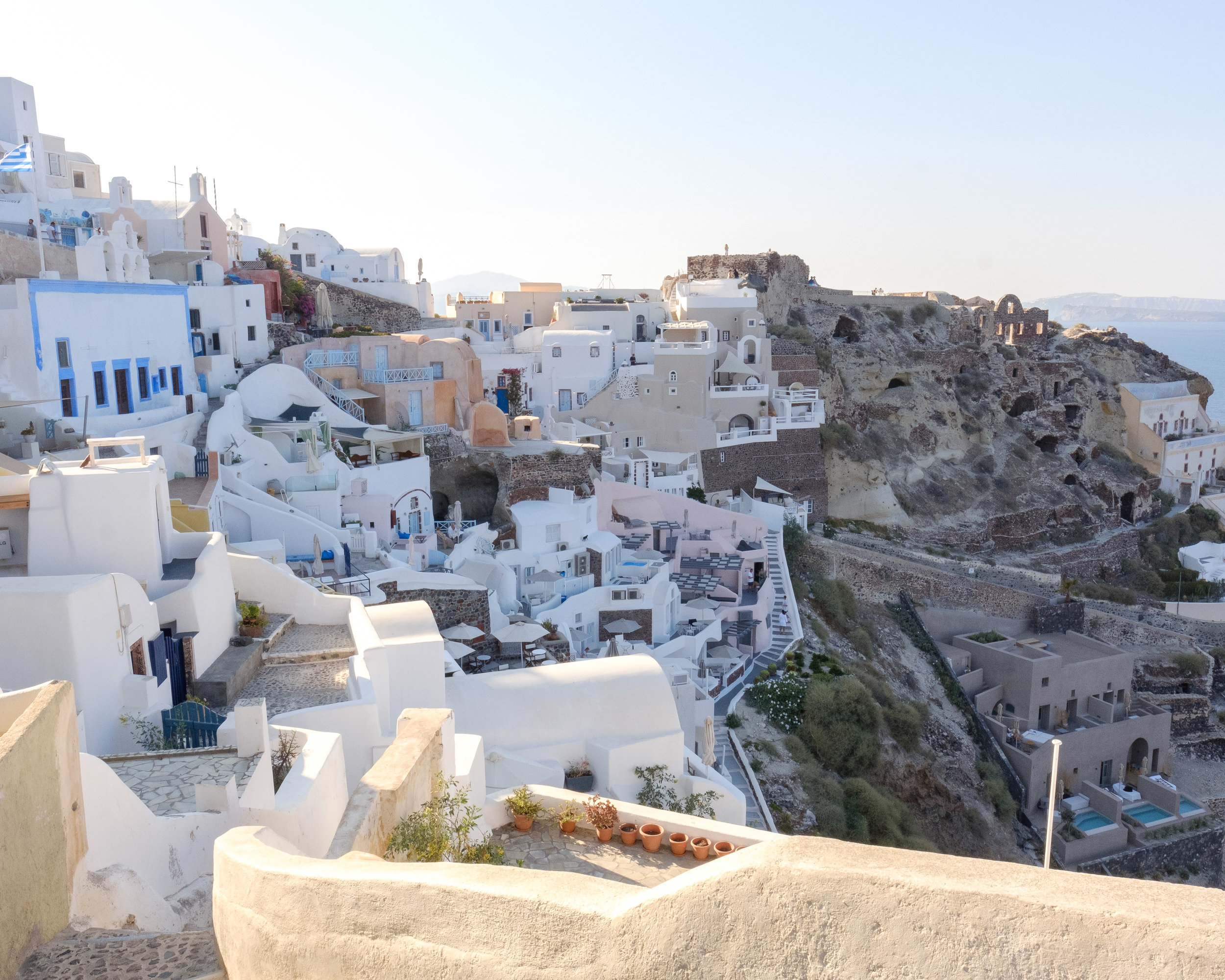 As we were heading to the bus stop to go to Fira, this is the view we saw in Oia. Not bad eh?