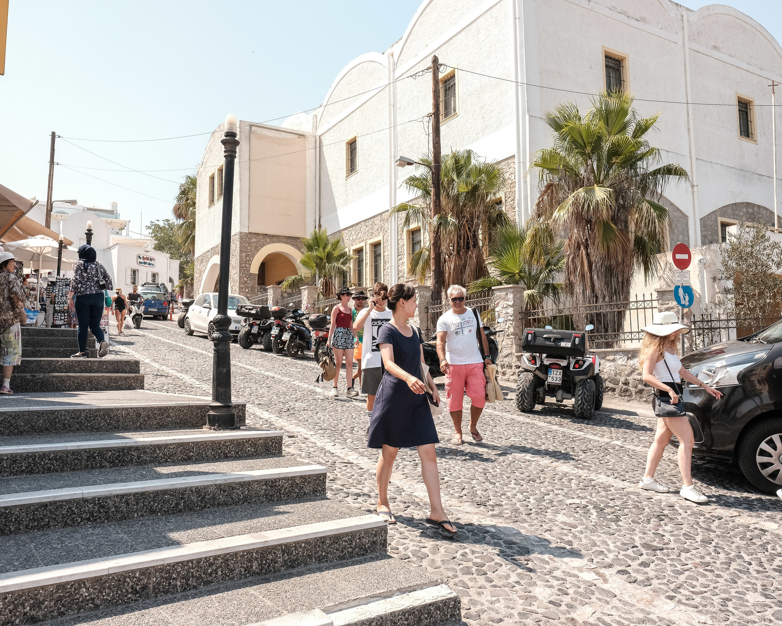 Walking around the pickup area in Fira