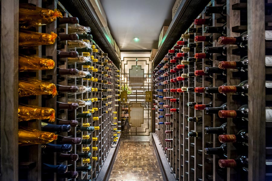 BESPOKE HIGH END WINE, PURCHASED, STORED, DELIVERED, EVEN BY THE GLASS...