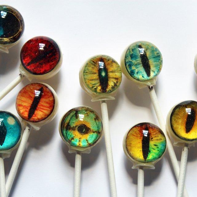 Eyeball Lollipops