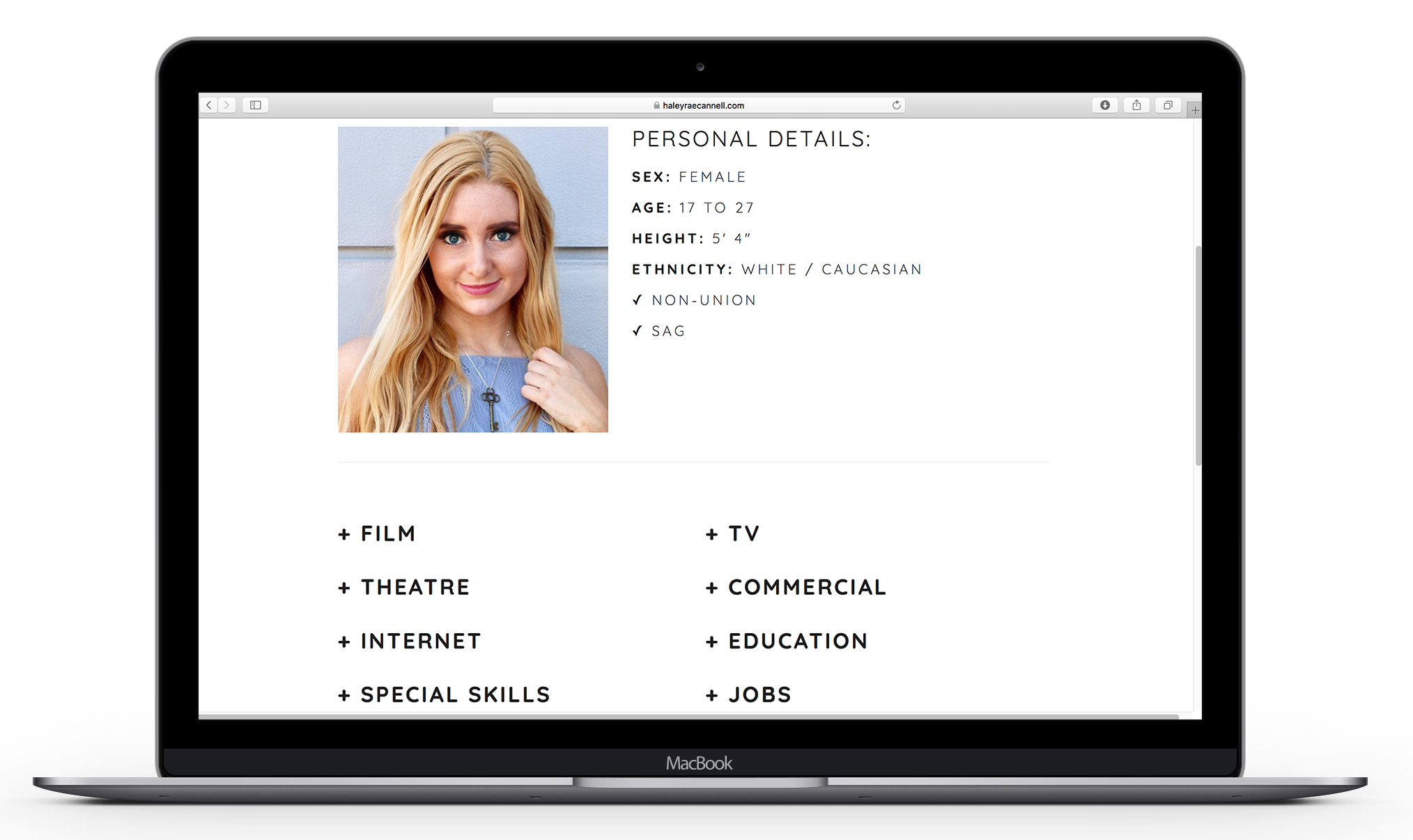 HaleyRae Resume Macbook Mockup.png