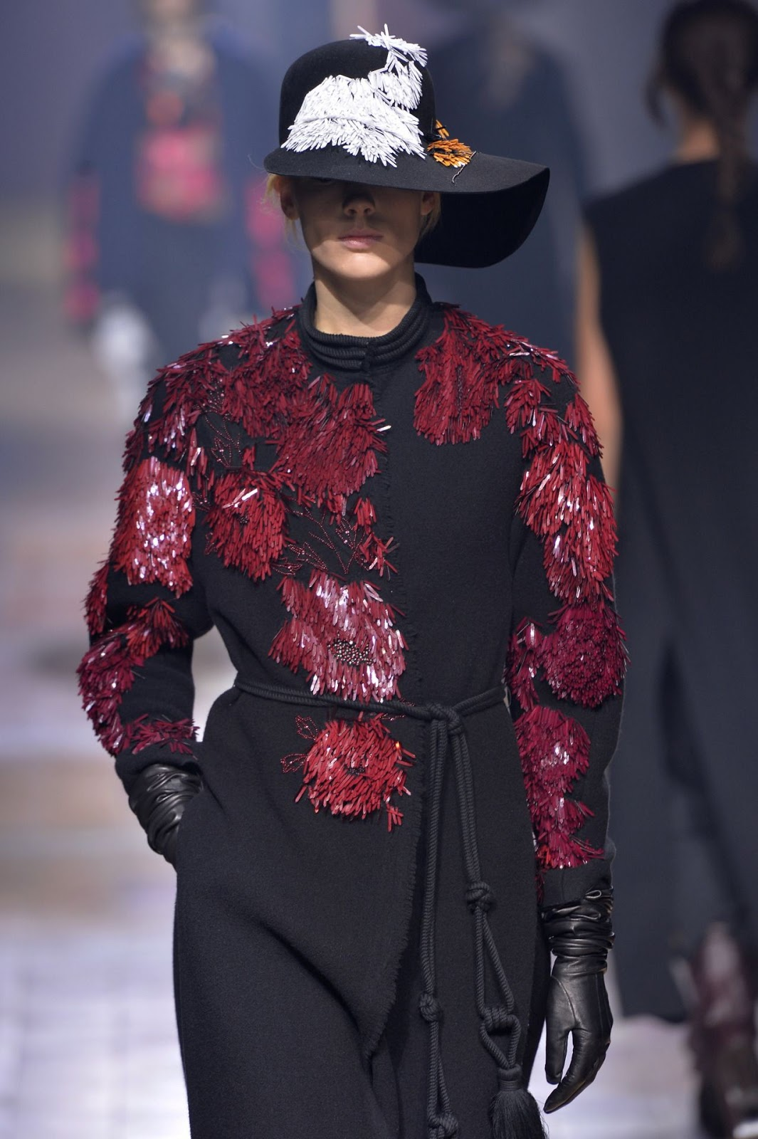 Image courtesy of Décor Aid ~  elaborate textiles and decadent embellishments from @LANVINofficial