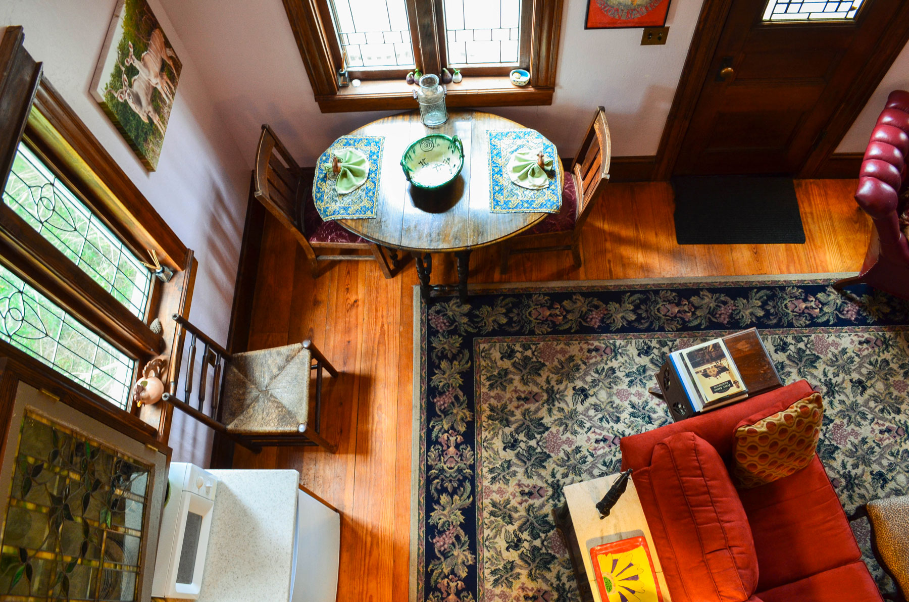 the dining space at the Bridge Cottage at B. Bryan Preserve