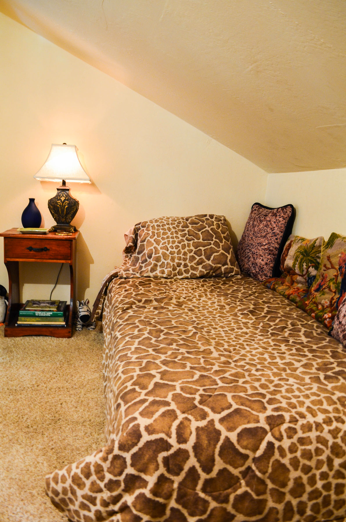 the second bedroom in the Carriage House at B. Bryan Perserve in Point Arena, CA