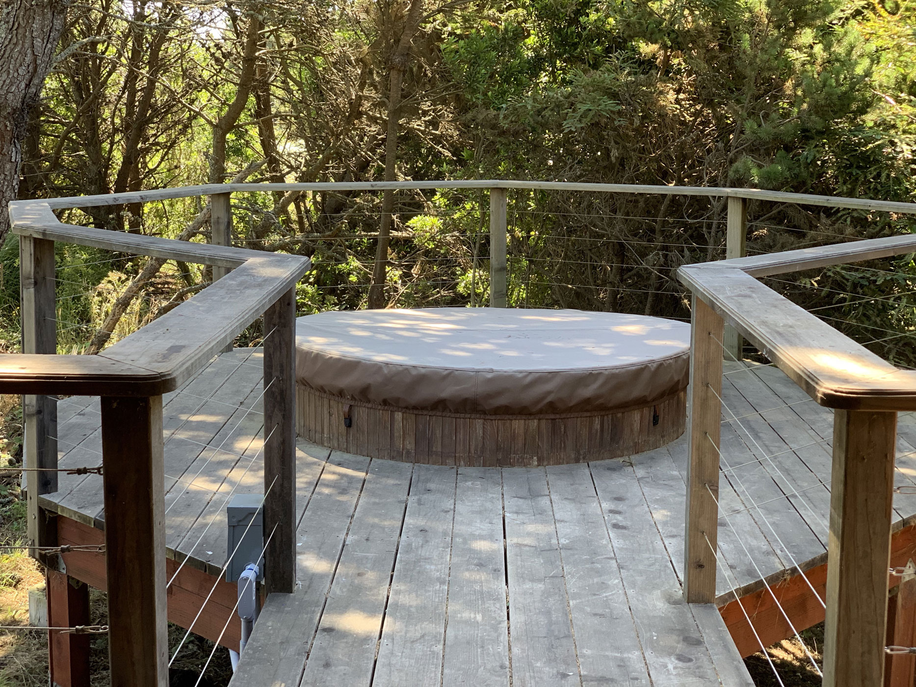 Zebra Cottage deck with hot tub at B. Bryan Preserve on the Mendocino Coast