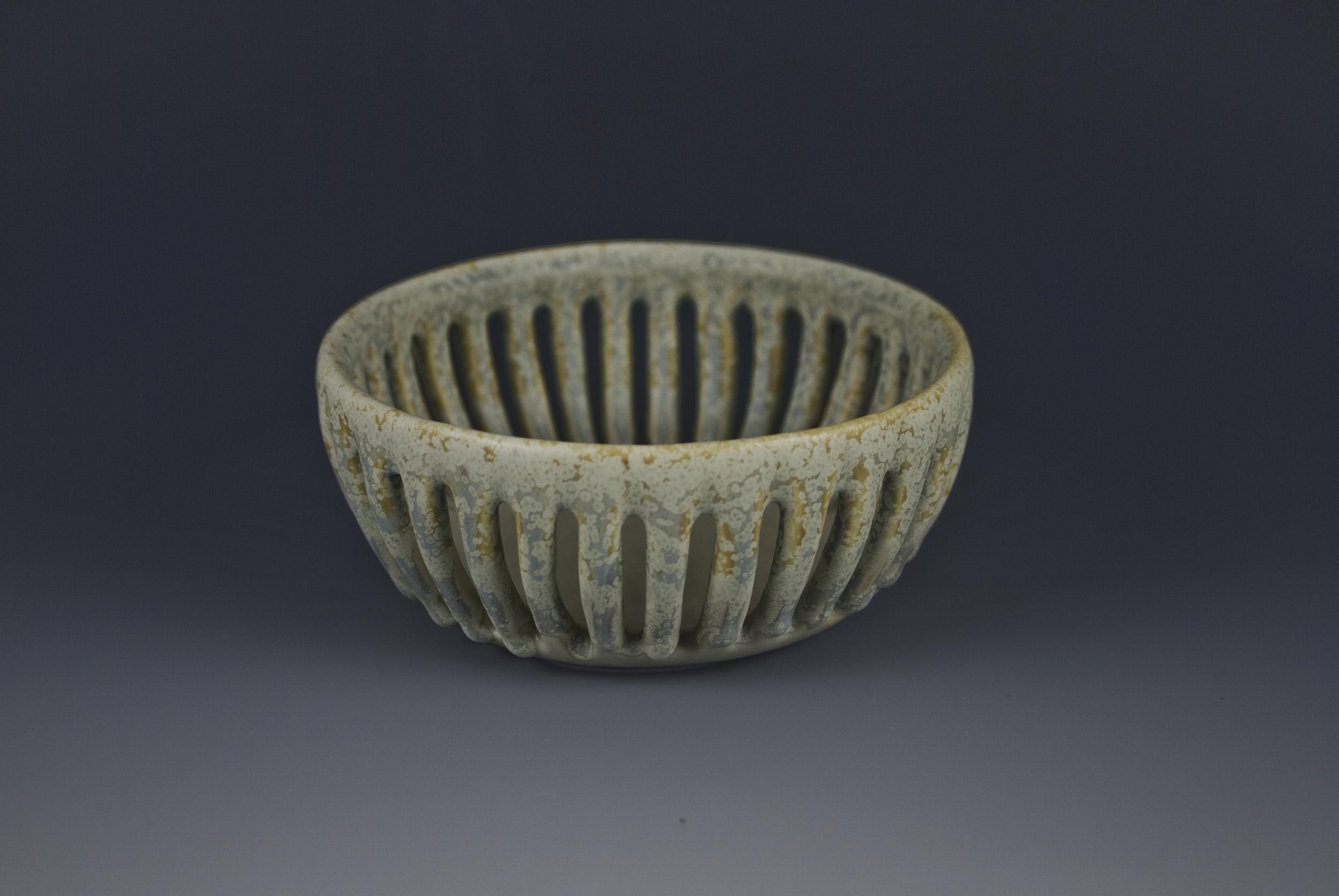 slotted bowl 03_2017cc.jpg