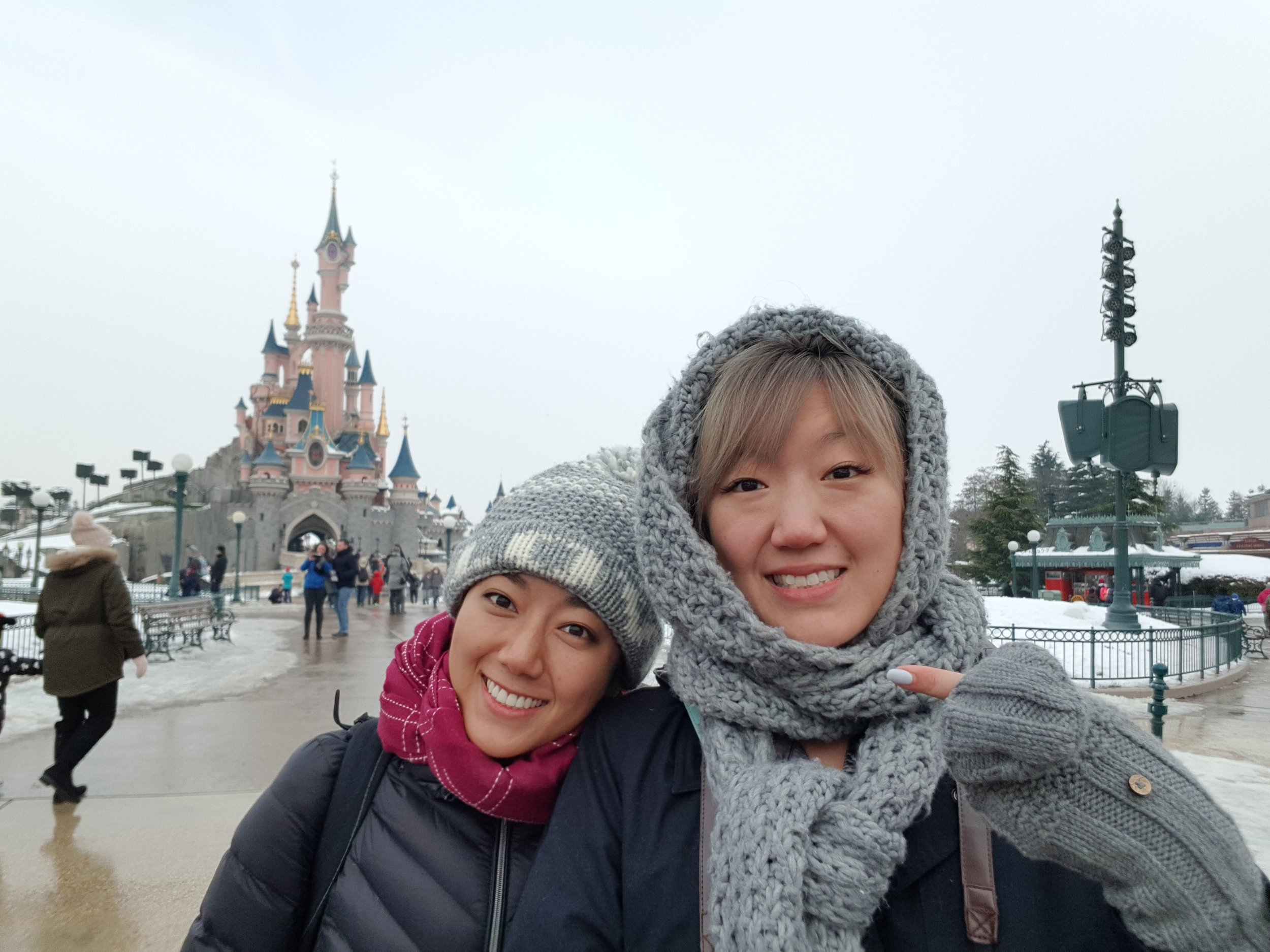 Traveling with the sister, Jane, and hitting up Euro Disney the first day. Thanks to the (apparently rare) snow fall, all outdoor rides were closed. We managed to wander through both parks (Disneyland & Walt Disney Studios) before 3pm.