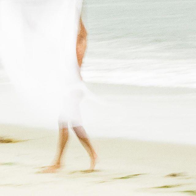 """WHITE SURF"" - Kyle  #guidoluciani #guidolucianiphotography #fineartsphotography #movement #dancephotography #malemodel"