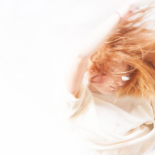 """RED TIDE"" - Julia  #guidoluciani #guidolucianiphotography #fineartsphotography #movement #dancephotography #modelportfolios"