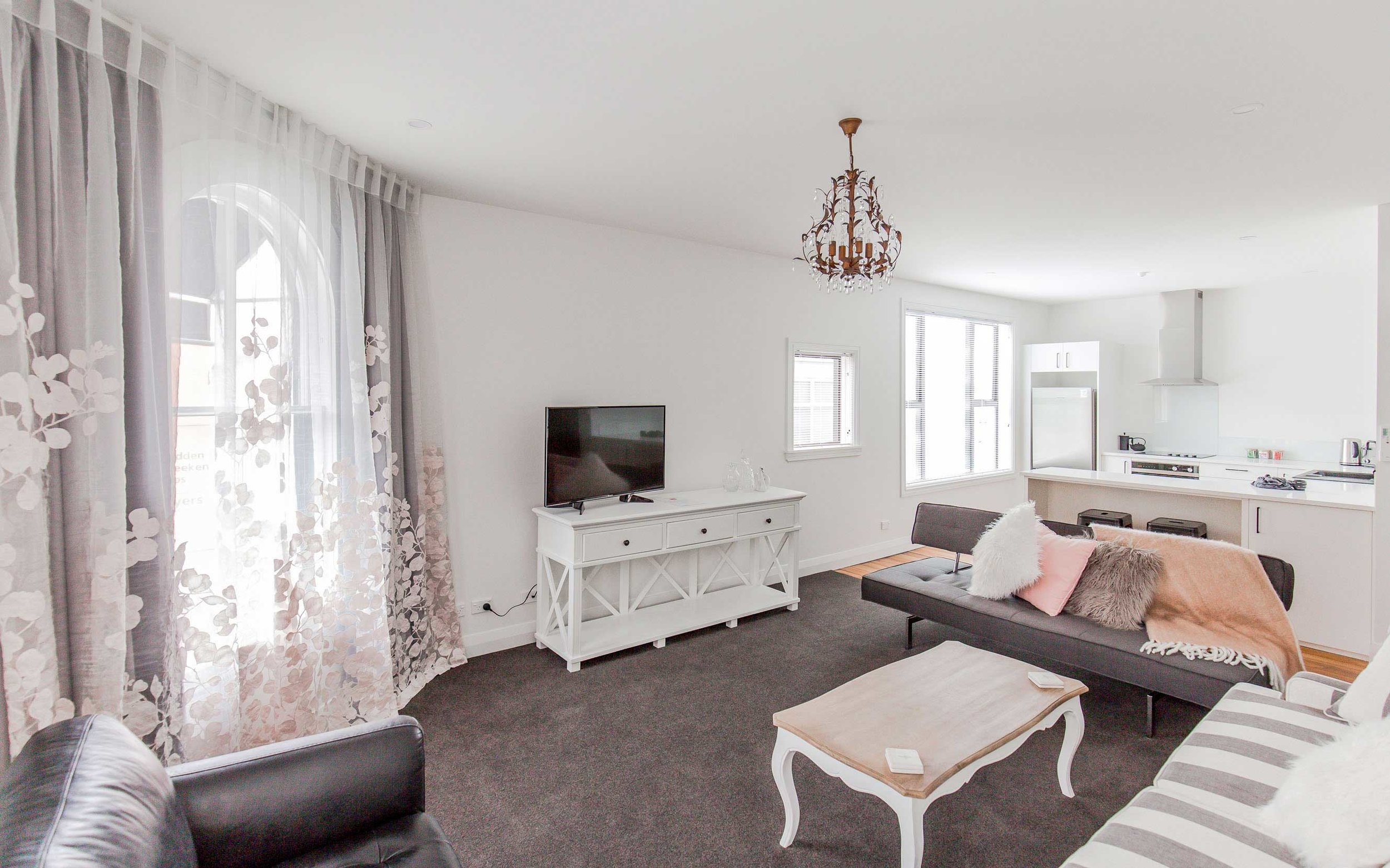 luxury-apartment-(5).jpg