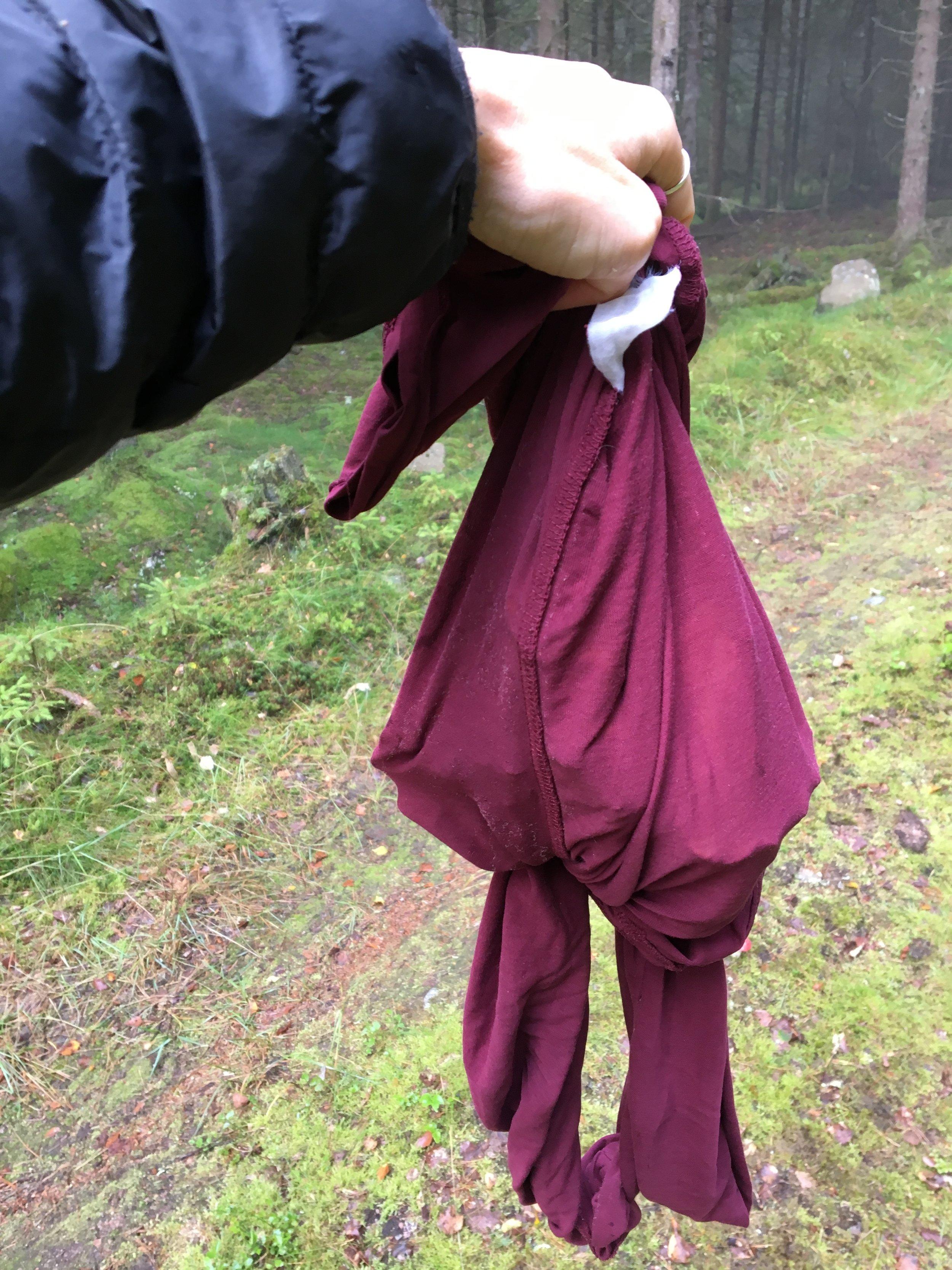 """Ibland får tröjan bli en svamppåse fast glädjen över """"hittandet"""" har översikt med sådana bagateller."""