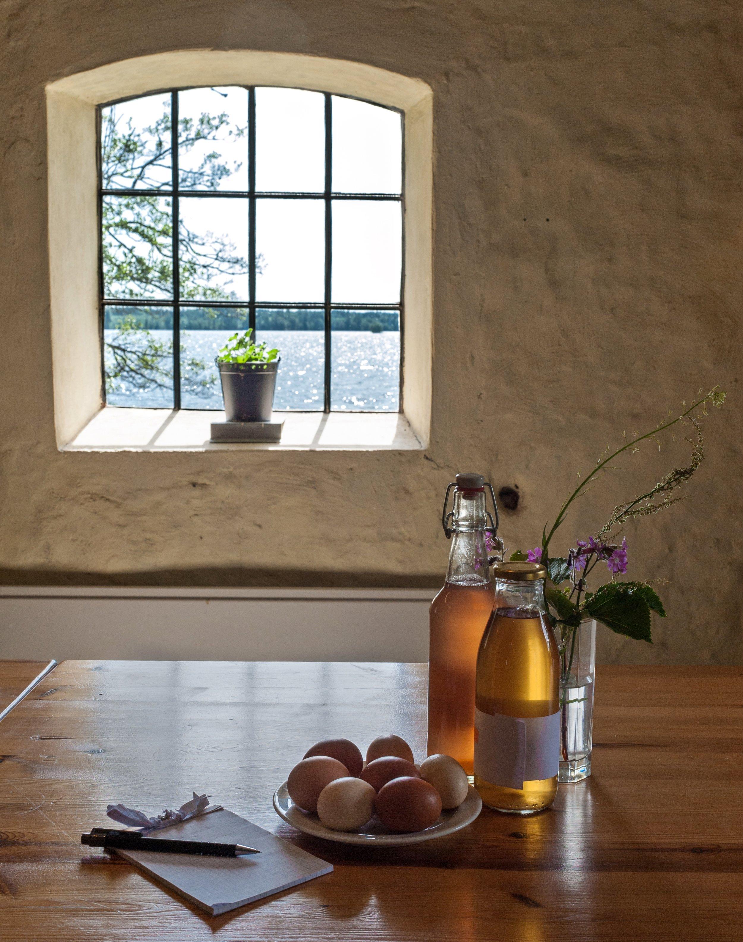 Tid för reflektion i fantastisk miljö med närproducerad mat.