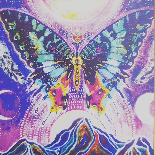 "The card I pulled this morning! ""stand in the light"" and the Butterfly, symbol of transformation 😍🌈💜 Wishing lots of light and warmth on this rainy Sydney day 💖"
