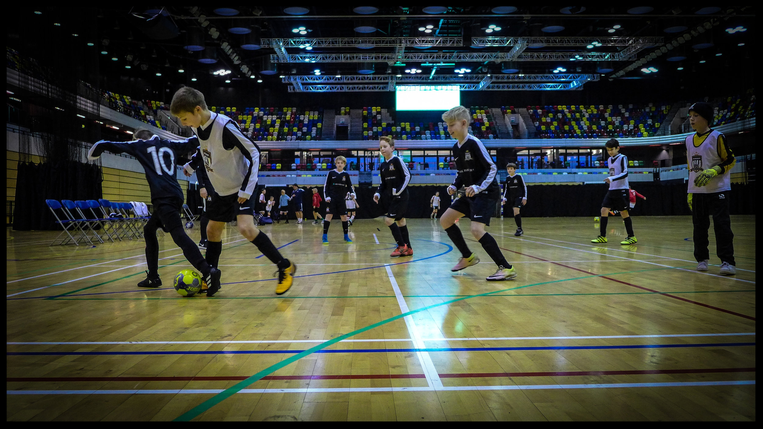 MONDAYS | U9s & U10s - VENUE: UCL ACADEMY, SWISS COTTAGE, NW3 3AQTIME: 17:00-18:00