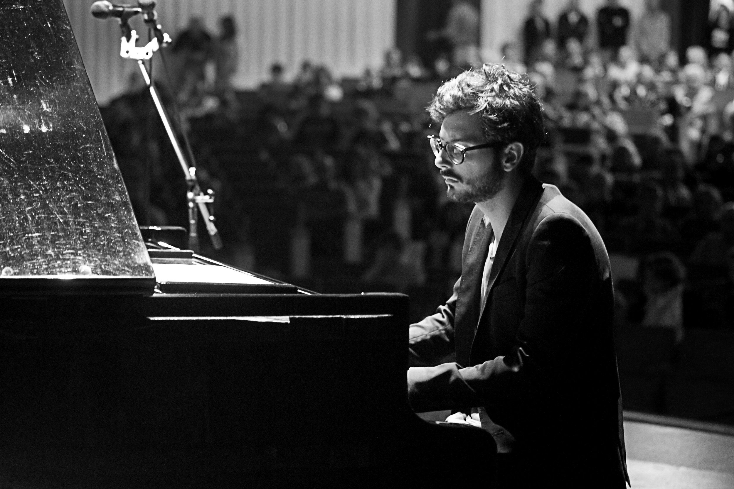 Francesco Nigri piano BW.jpg