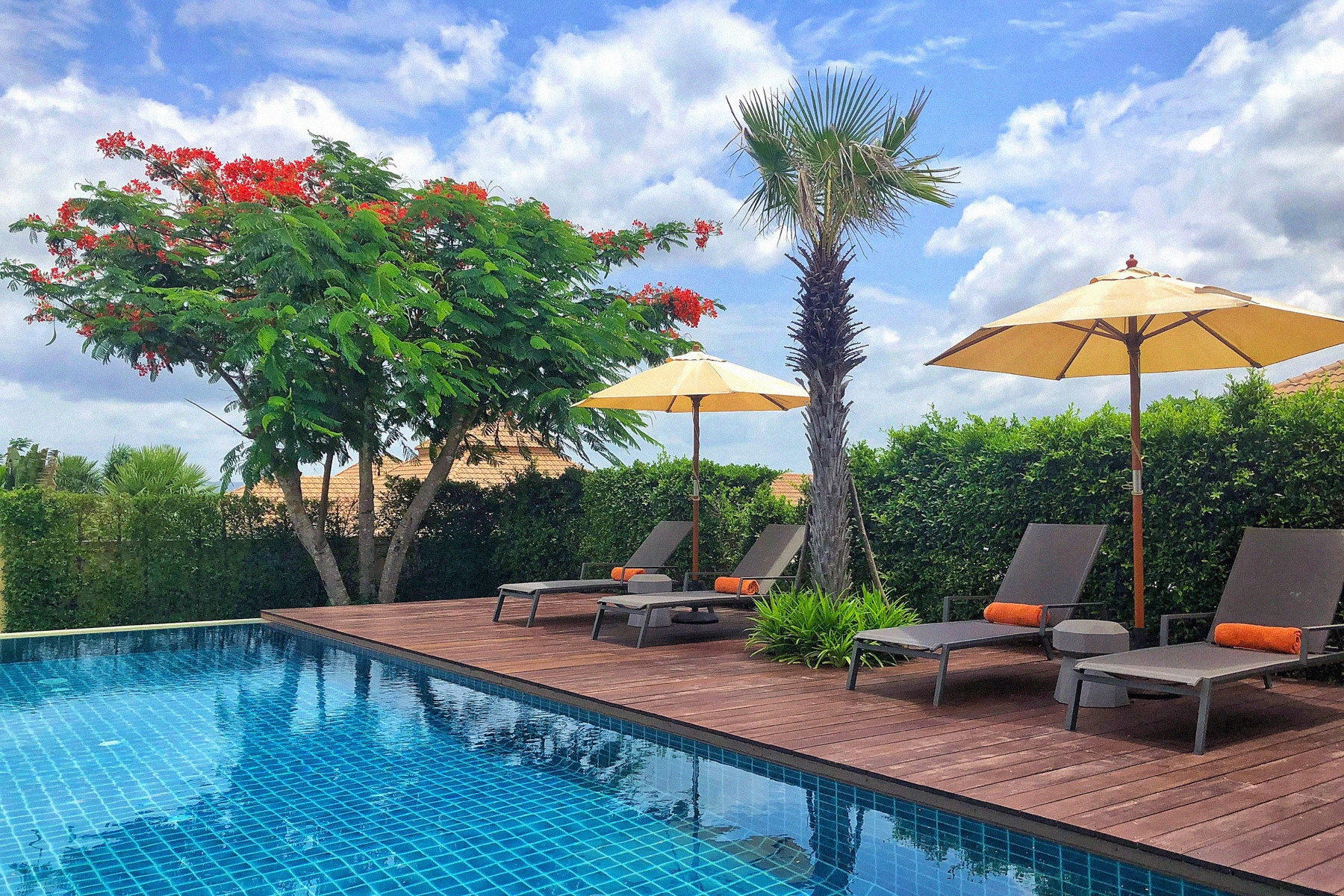 Hua Hin - Visit our brand new 3-bedroom pool villa and enjoy a never-to-be forgotten holiday in the less hectic coastal town of Hua Hin. This seaside resort only 2.5 hours away from the capital became a fashionable escape for residents of Bangkok after the 1920, when the Thai royal family built palaces here.