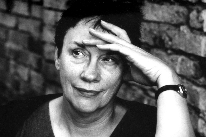 annie-proulx-receives-medal-lifetime-achievement.png