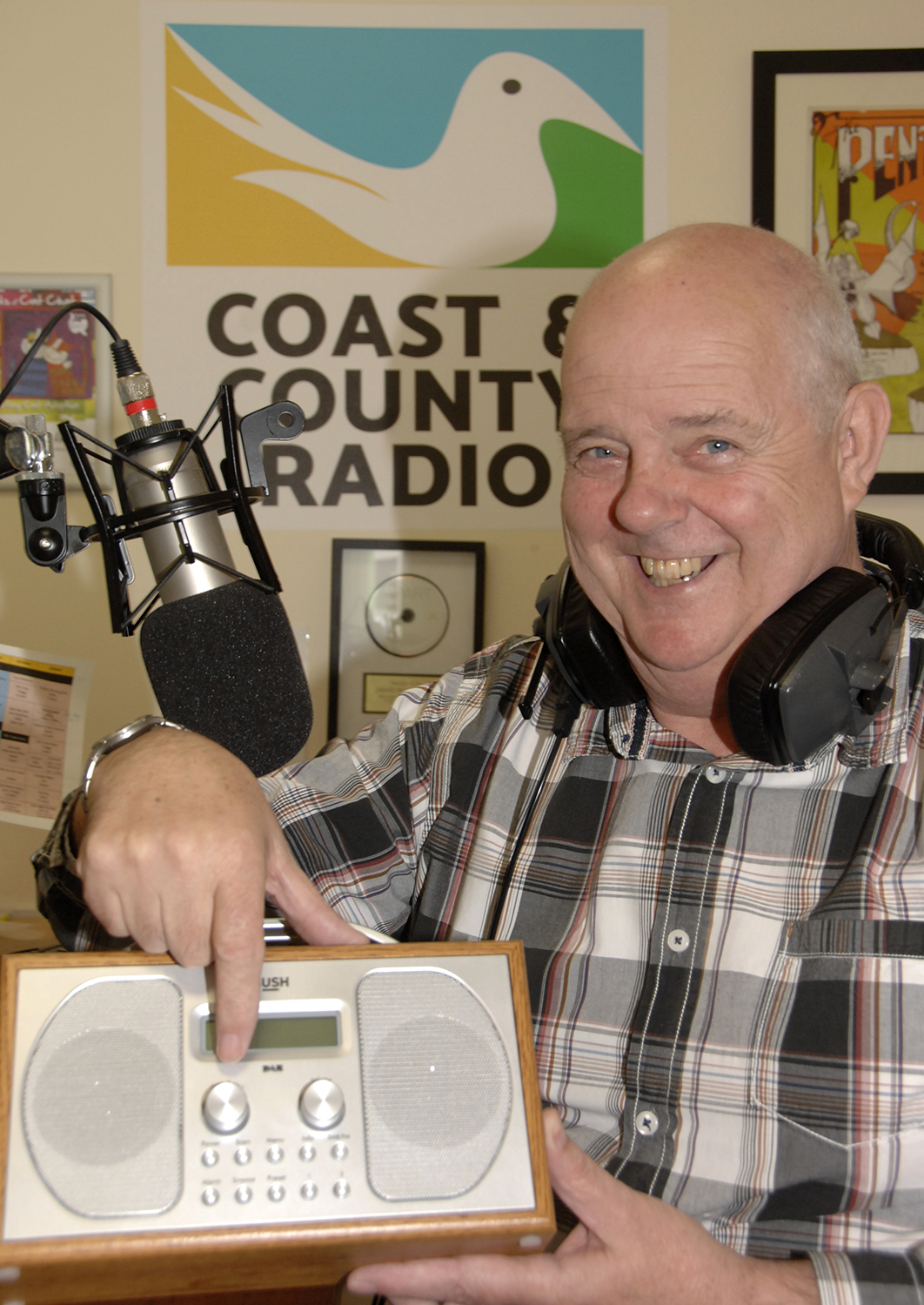 Coast and County managing director Dave MacGregor or a colleague will show you how to tune your digital radio (to order photos ring 353597)