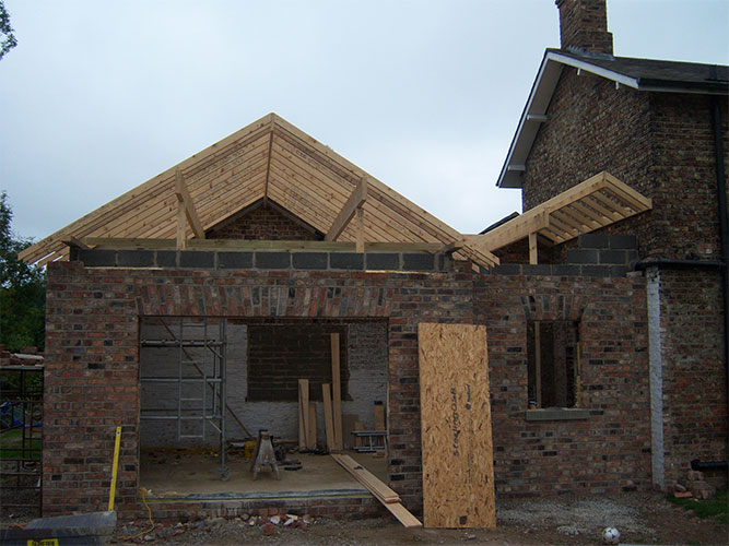 017 - Mid Build Roof.jpg
