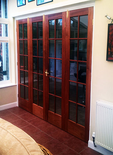 075 - Bi-Fold Doors (Closed).jpg