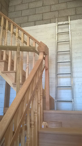 044 - Staircase (Mid Build).jpg