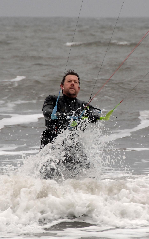kite surfer 2 db.jpg