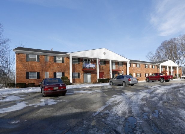 cana-apartments-noblesville-in-building.jpg