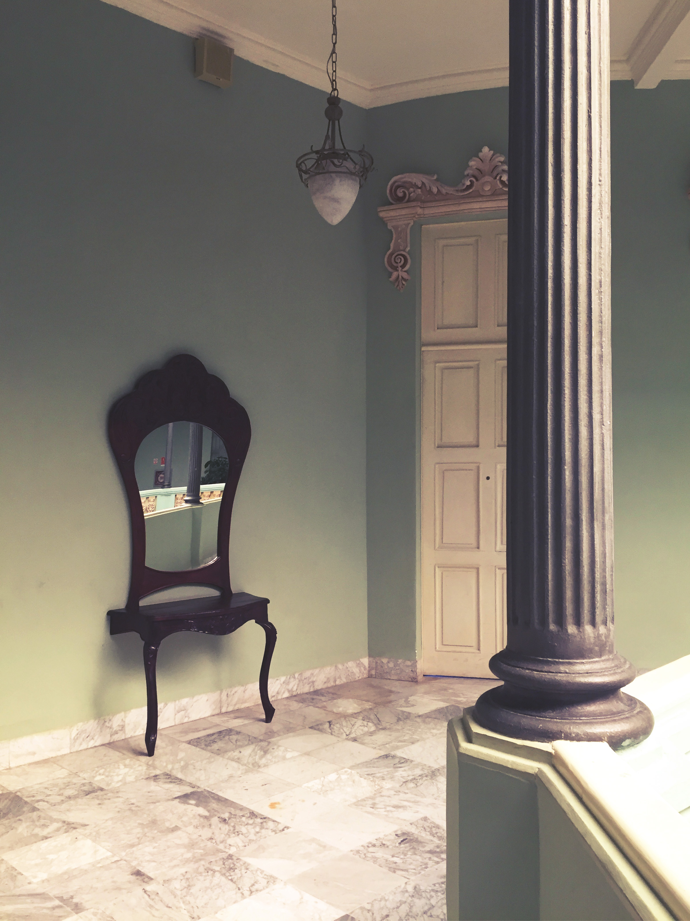 The grandiose  Belle Époque  decor in Hotel Raquel's inner corridors