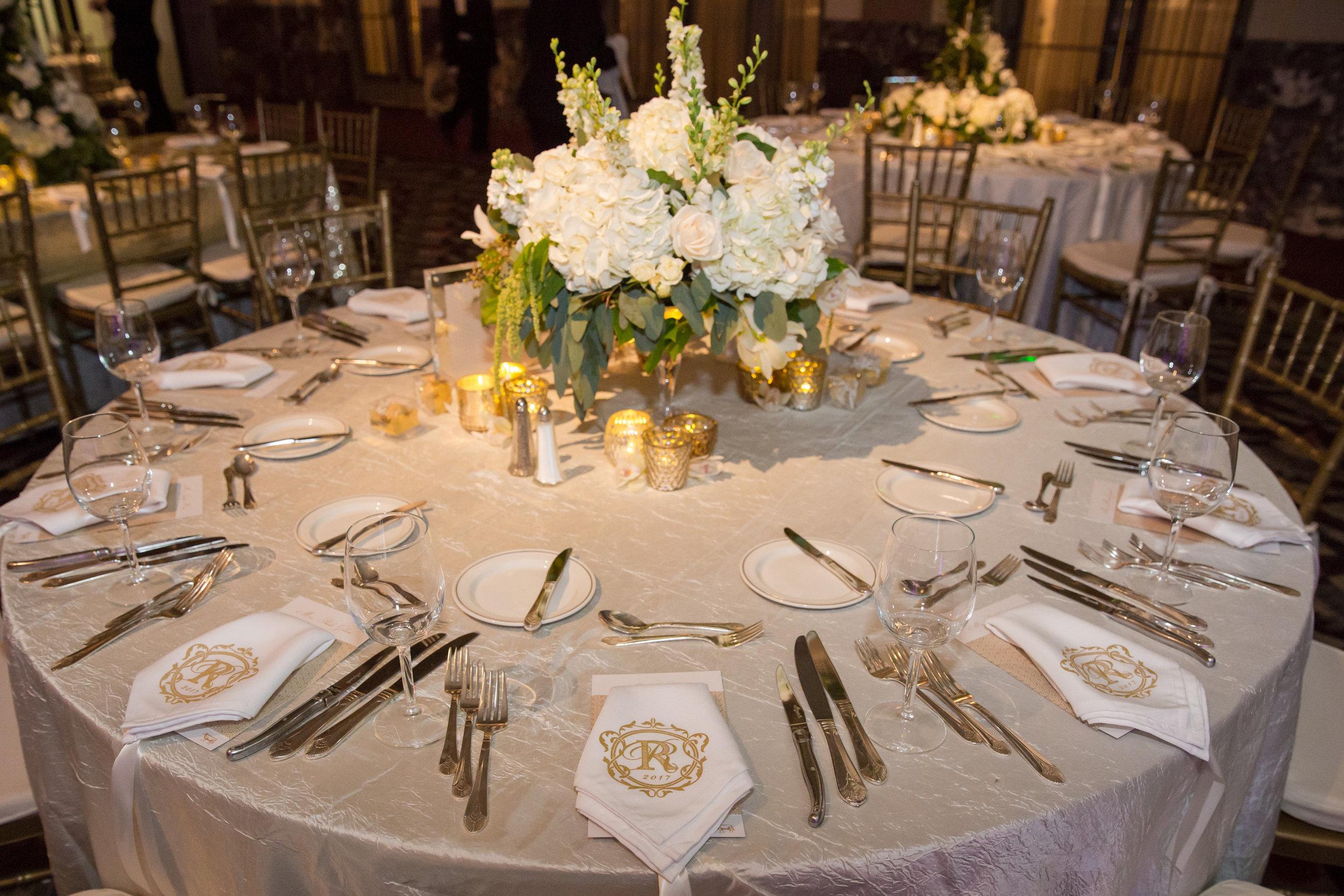 event-design-custom-silkscreen-napkins-menus-reception-elegant.jpg