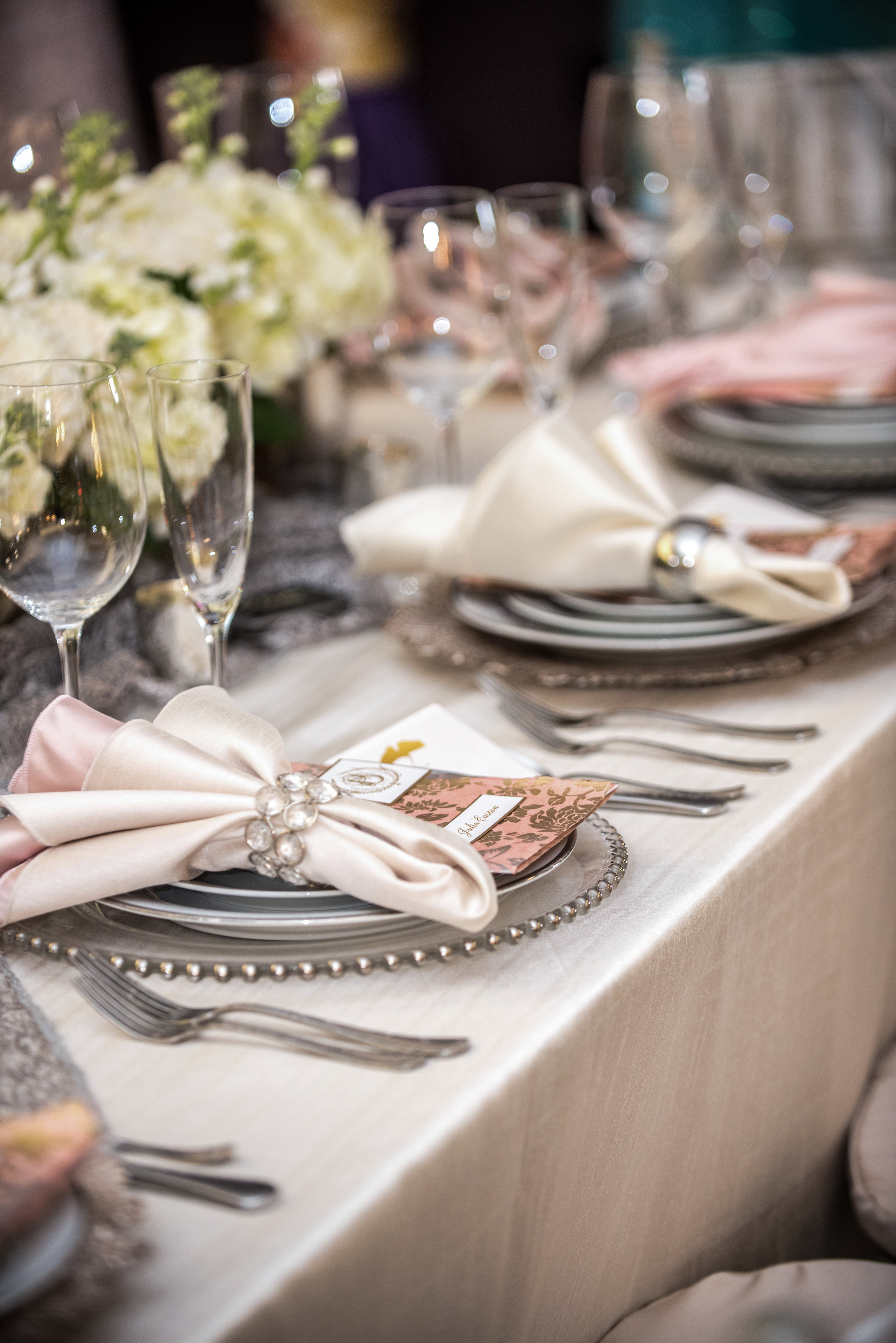 event-design-flowers-place-setting-theme-wedding-dramatic.jpg