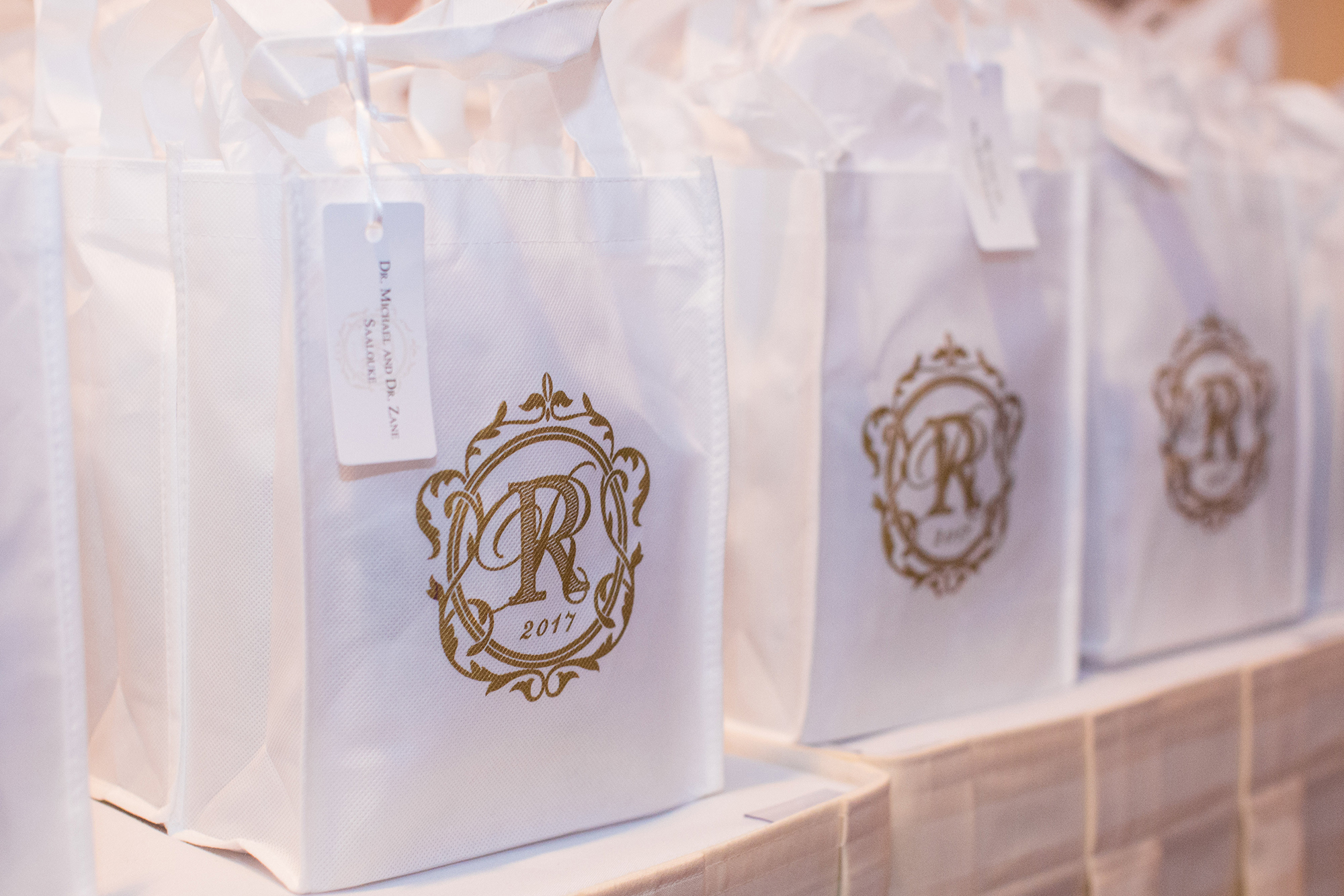 wedding-gift-bag-custom-monogram-hang-tag.jpg