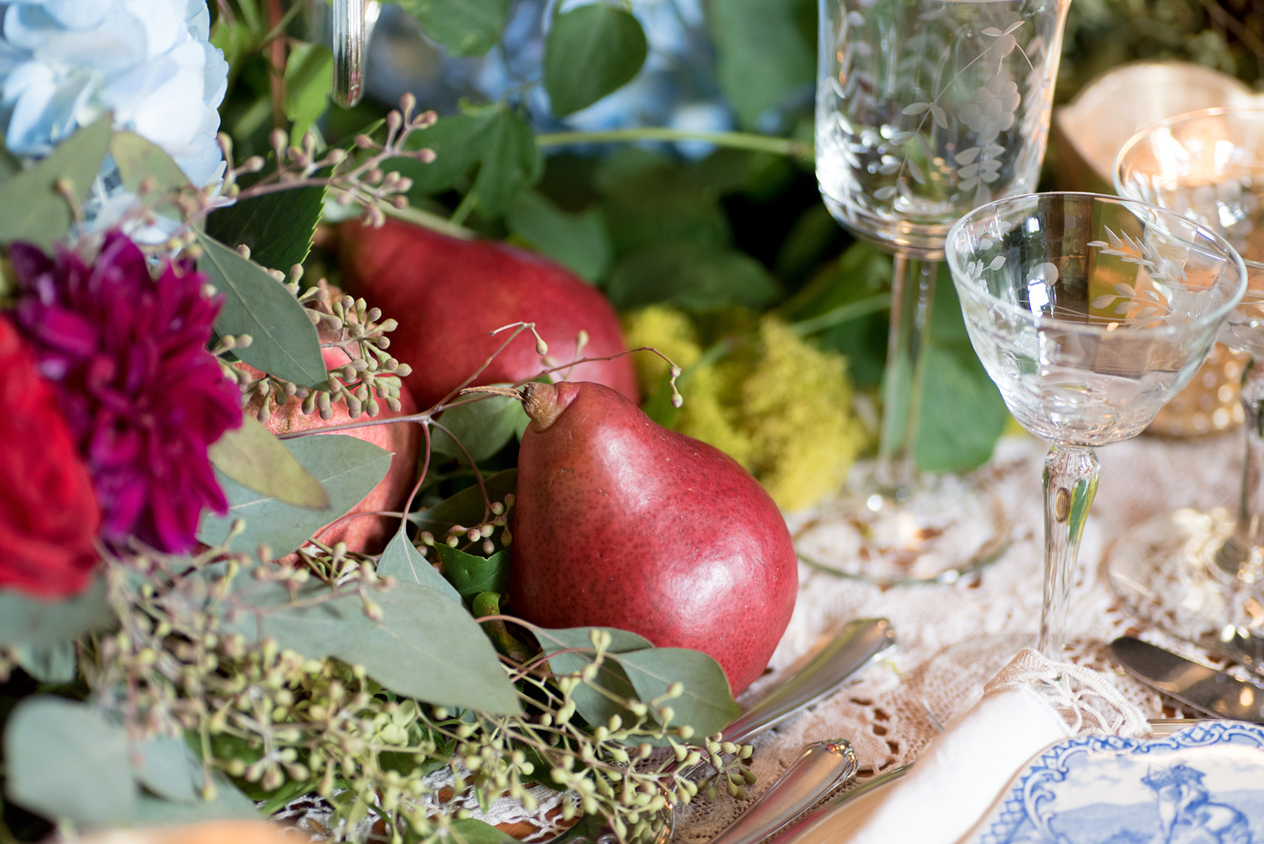 event-design-table-setting-detail-pears-fall-theme.jpg