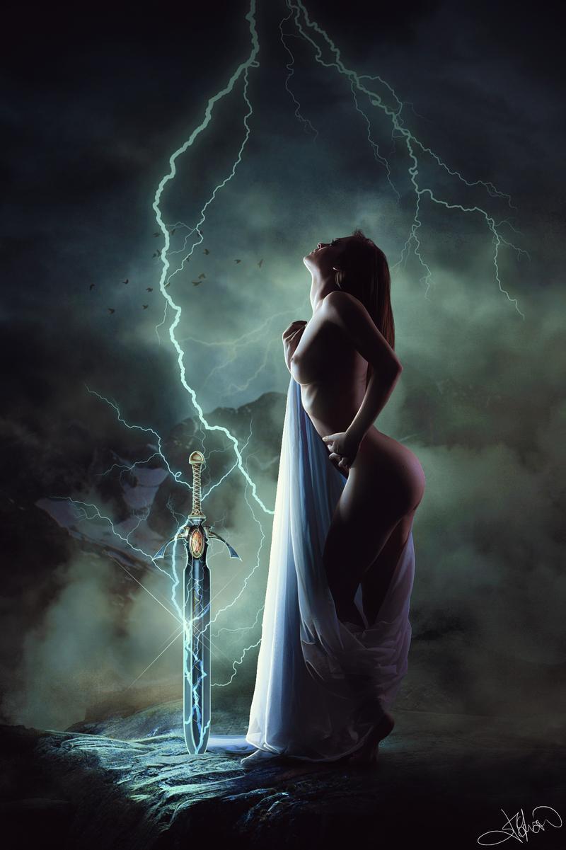 mystical_priestess_by_jaimcferran_d9807dc-fullview.jpg