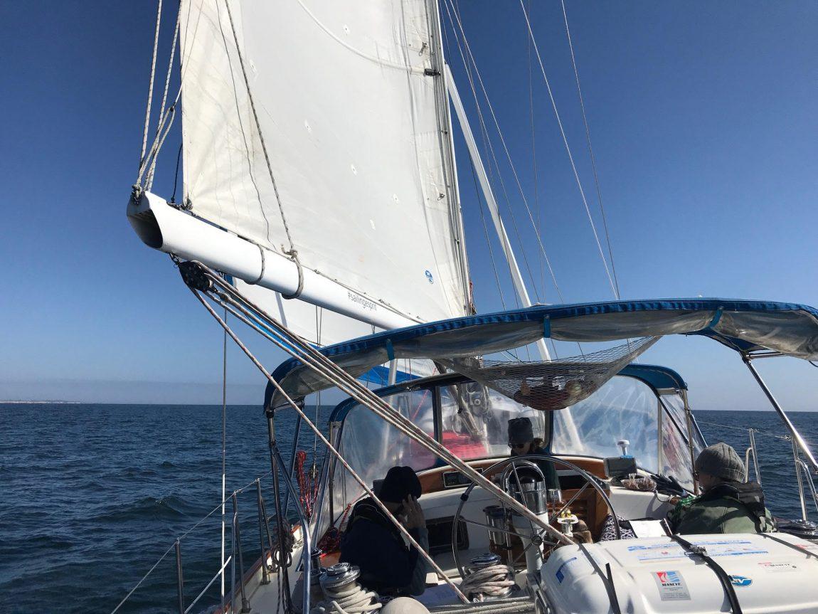 Esprit  in all her glory, close reaching to Santa Cruz
