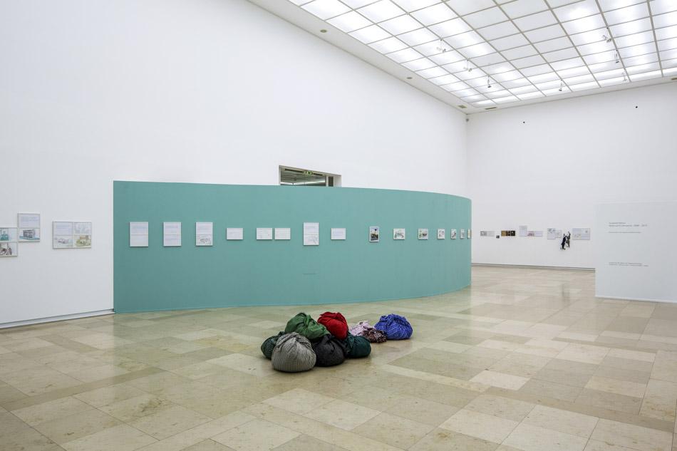 4_Ausstellungsansicht 3_Wolfram Schmidt-2.jpg