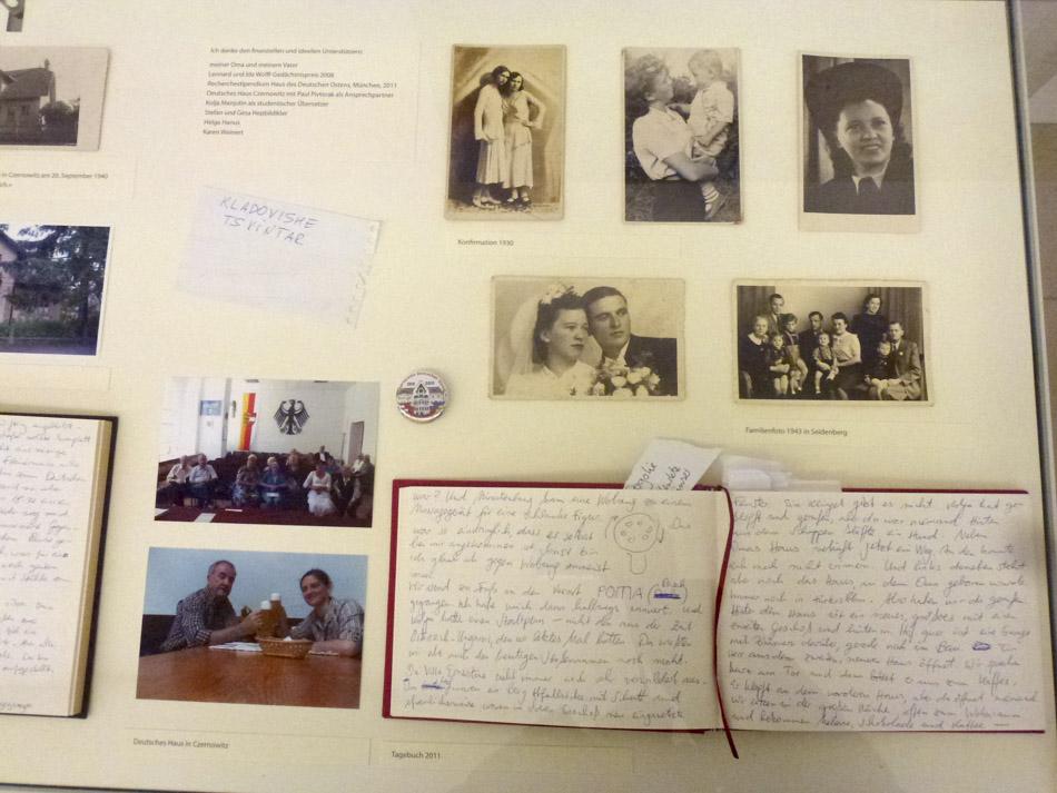 15_Vitrine Historie und Tagebücher-2.jpg