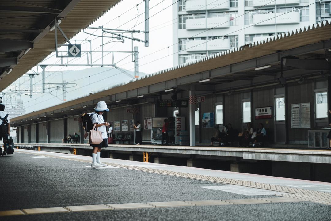 photographe-japon-ecolier-train.jpg