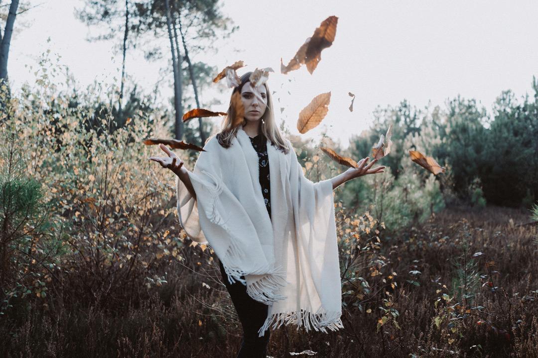portrait-automne-feuilles.jpg