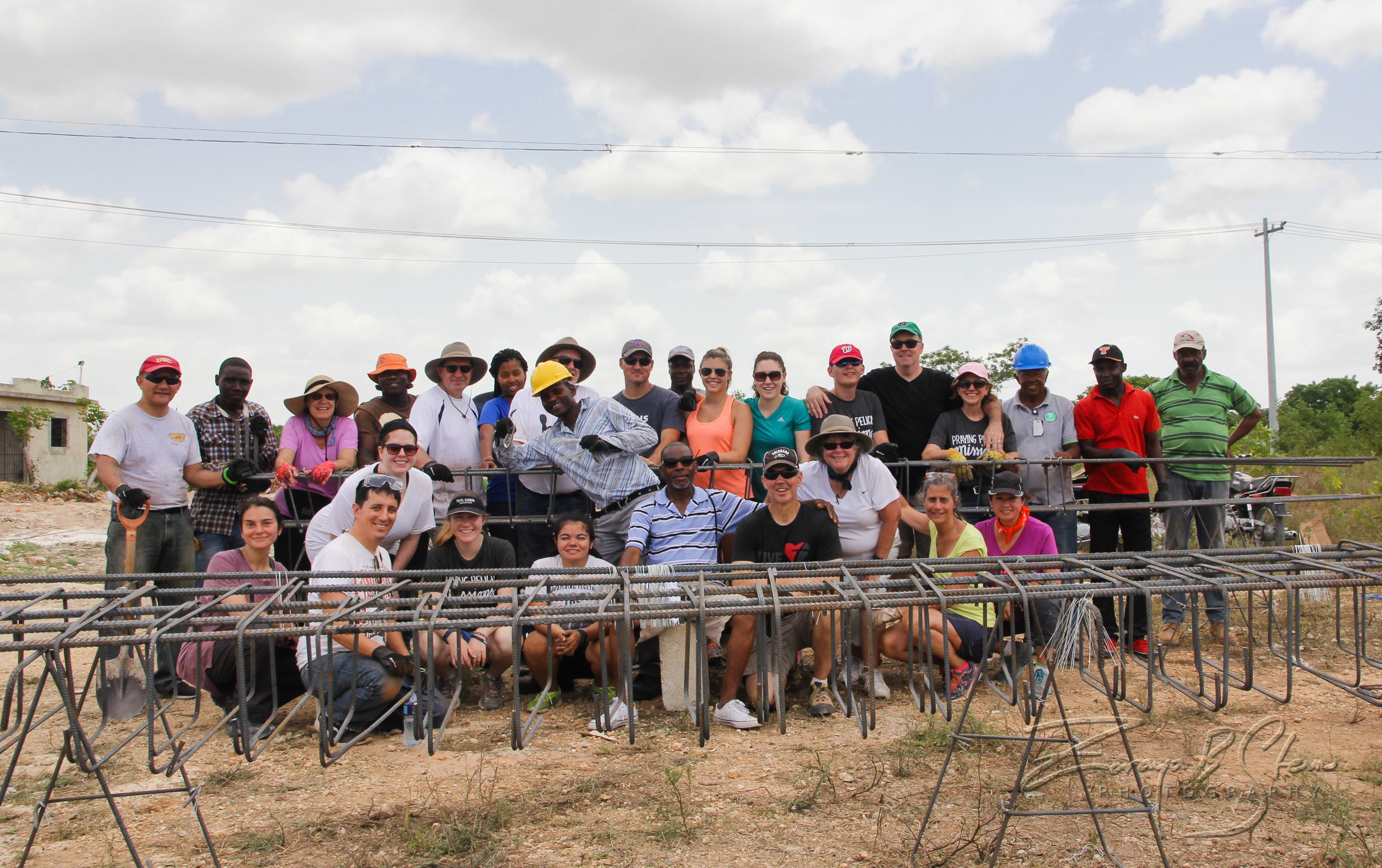 2017 Mission Team with workers at the construction site for the new Luz Divina church home. Photo Credit:  Zoraya B. Stern Photography  (Photo gallery  here )