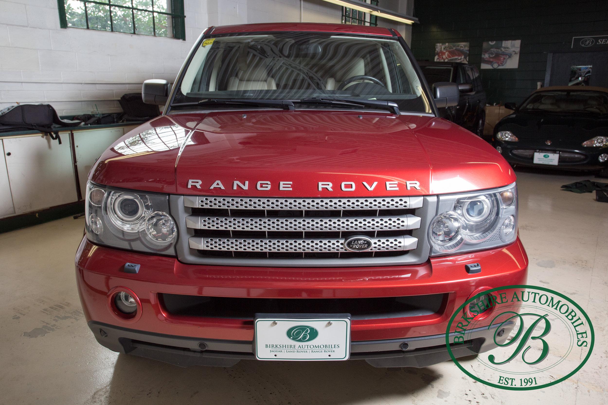 Birkshire Automobiles 2009 Range Rover Burgundy-9.jpg