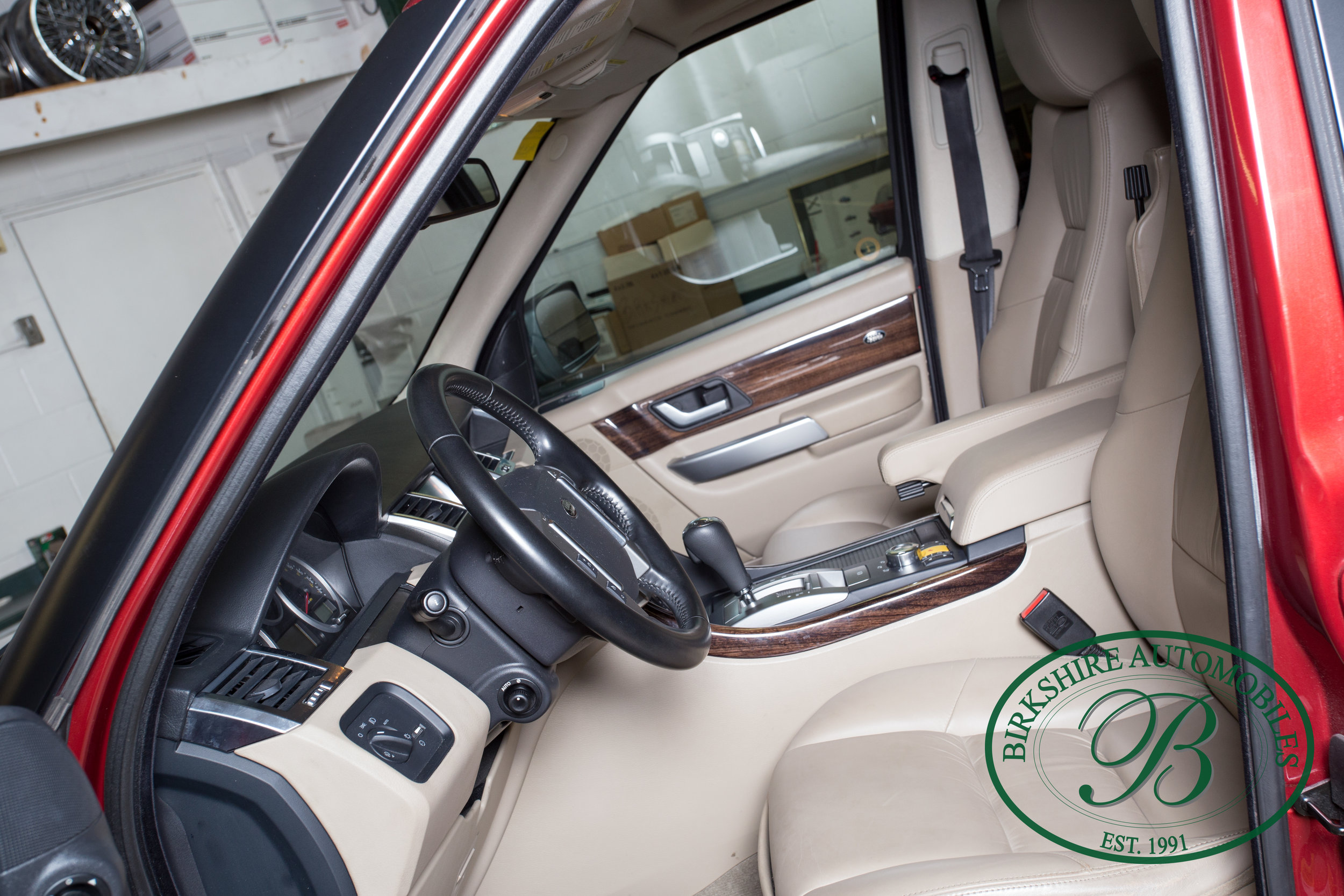 Birkshire Automobiles 2009 Range Rover Burgundy-92.jpg